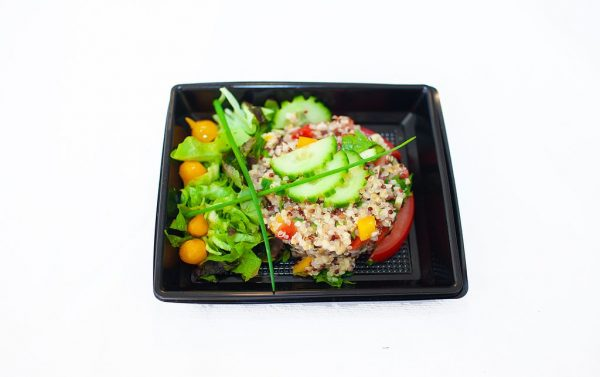 LECOMTE TRAITEUR Salade de graine complète aux légumes (tomates, poivrons, courgettes)